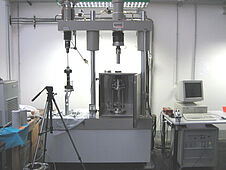 Triaxial Servo-hydraulic Testing Machine